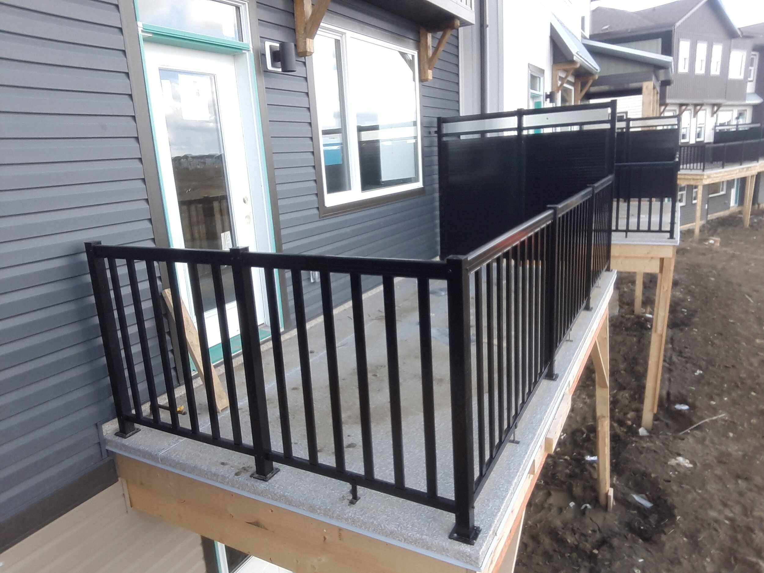 railing and privacy wall.jpg