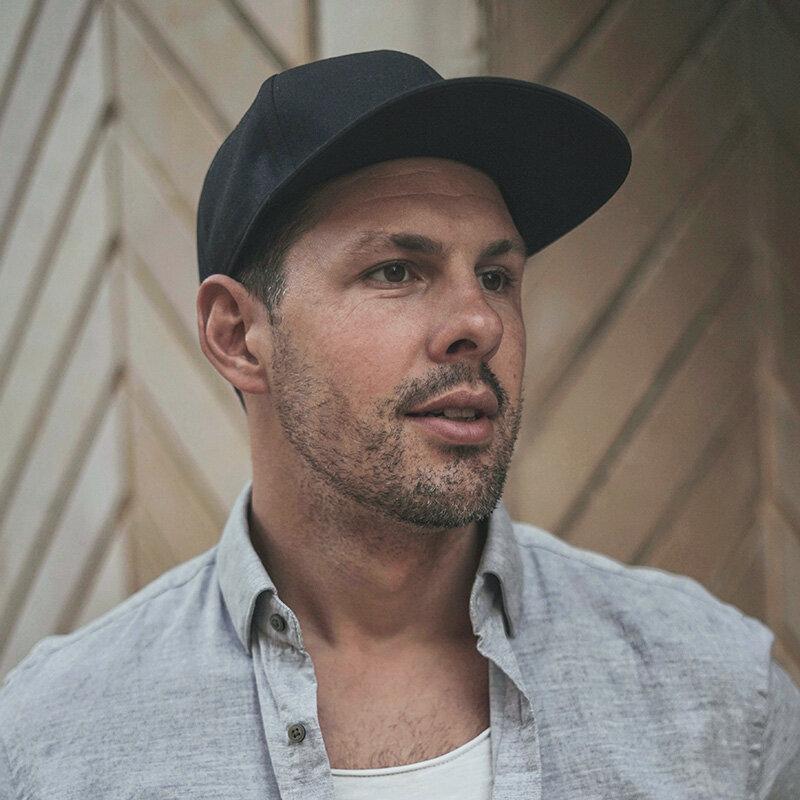 Eric GROZA - CREATIVE DIRECTOR / TBWA\ MOSCOW
