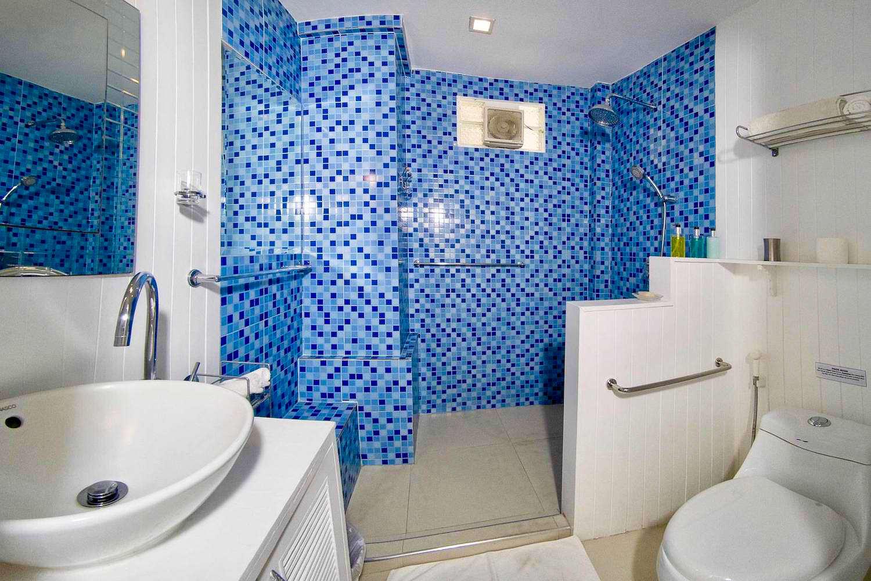5.3 Bathroom1-2.jpg
