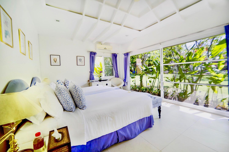 5.10 Bedroom4 in Family Suite-2.jpg