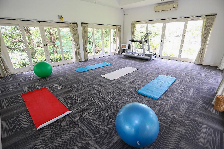 7.2 Fitness-Yoga-Massage-2.jpg