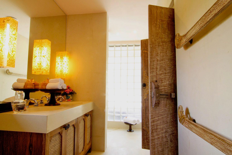 6.2 Bathroom 6-2.jpg