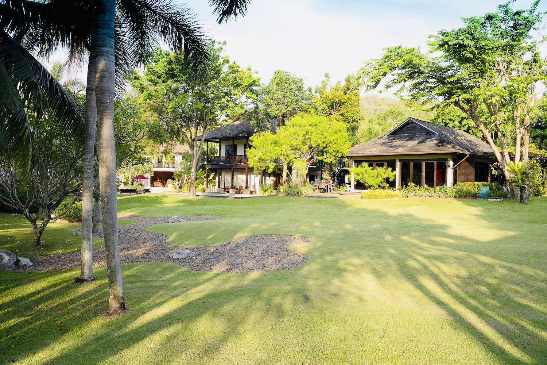 Garden2-2.jpg