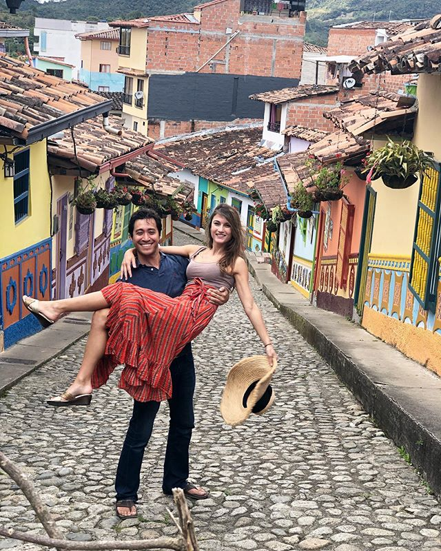 Exploring the colors of Guatape after climbing 661 stairs (yes I counted!). No better person in the world to do a cultural leg workout with ;-) @poupette00
