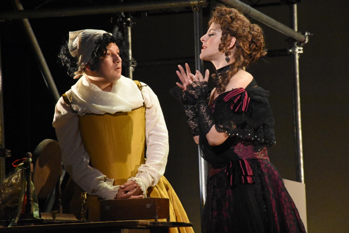 Male Emilia (O. Iraheta) and Nell Gwynn (S. Apostolou) - Photo by Tina Buckman