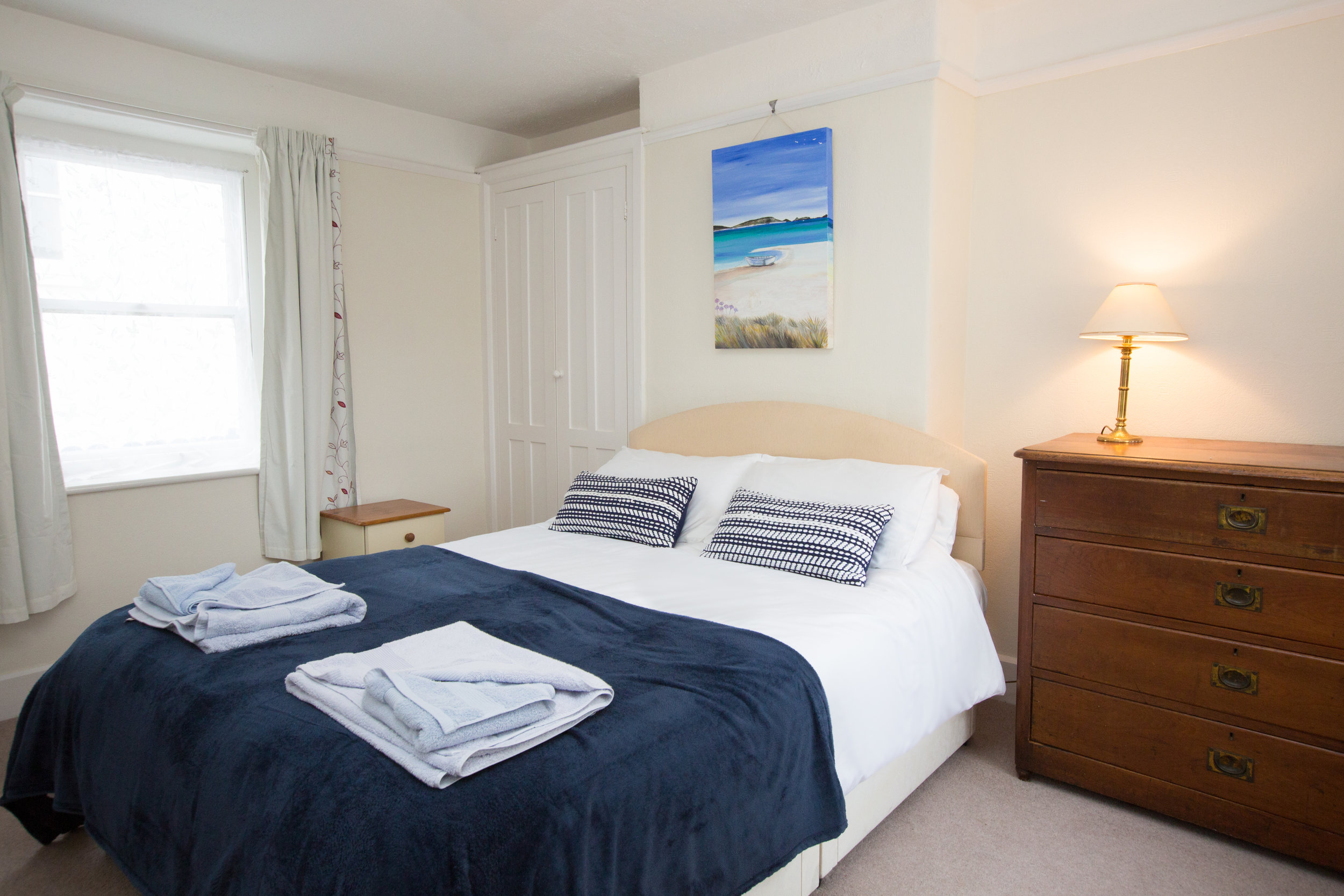 Accommodation - Riduna self catering is a stunning and modern property located in the heart of Hugh Town.