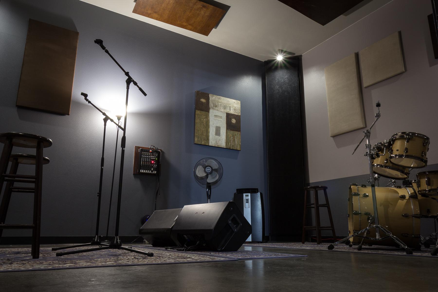 Waveform Austin Hourly Band Rehearsal Studios In Austin