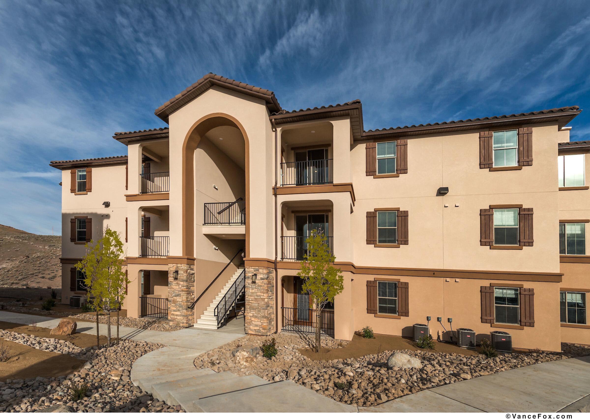 Villas at Keystone Canyon Apts.jpg