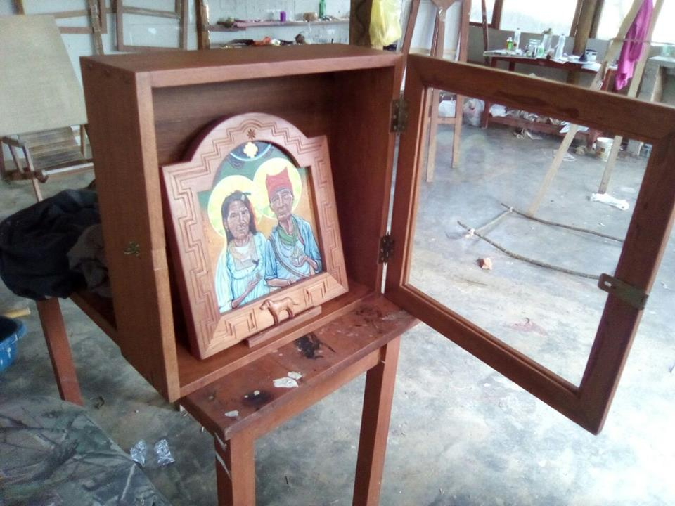 Johnny Aubert has finished the Kiot (little box) the icon of San Roque and San Rocha will dwell in.