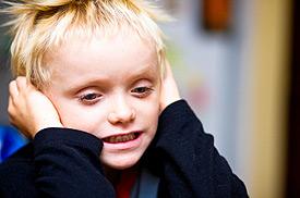earache-boy-in-article