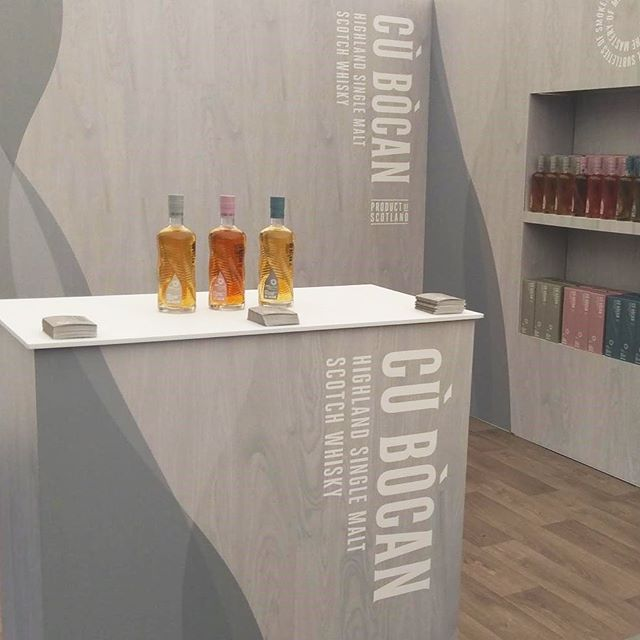 This time last week we were adding the finishing touches to our stand and getting ready for Day 1 of the Edinburgh #WhiskyFringe. An intriguing space for an intriguing malt... #cubocan #CùBòcan #highlandsinglemalt #unlocktheunusual #lightlypeated #singlemalt #maturation #caskmaturation