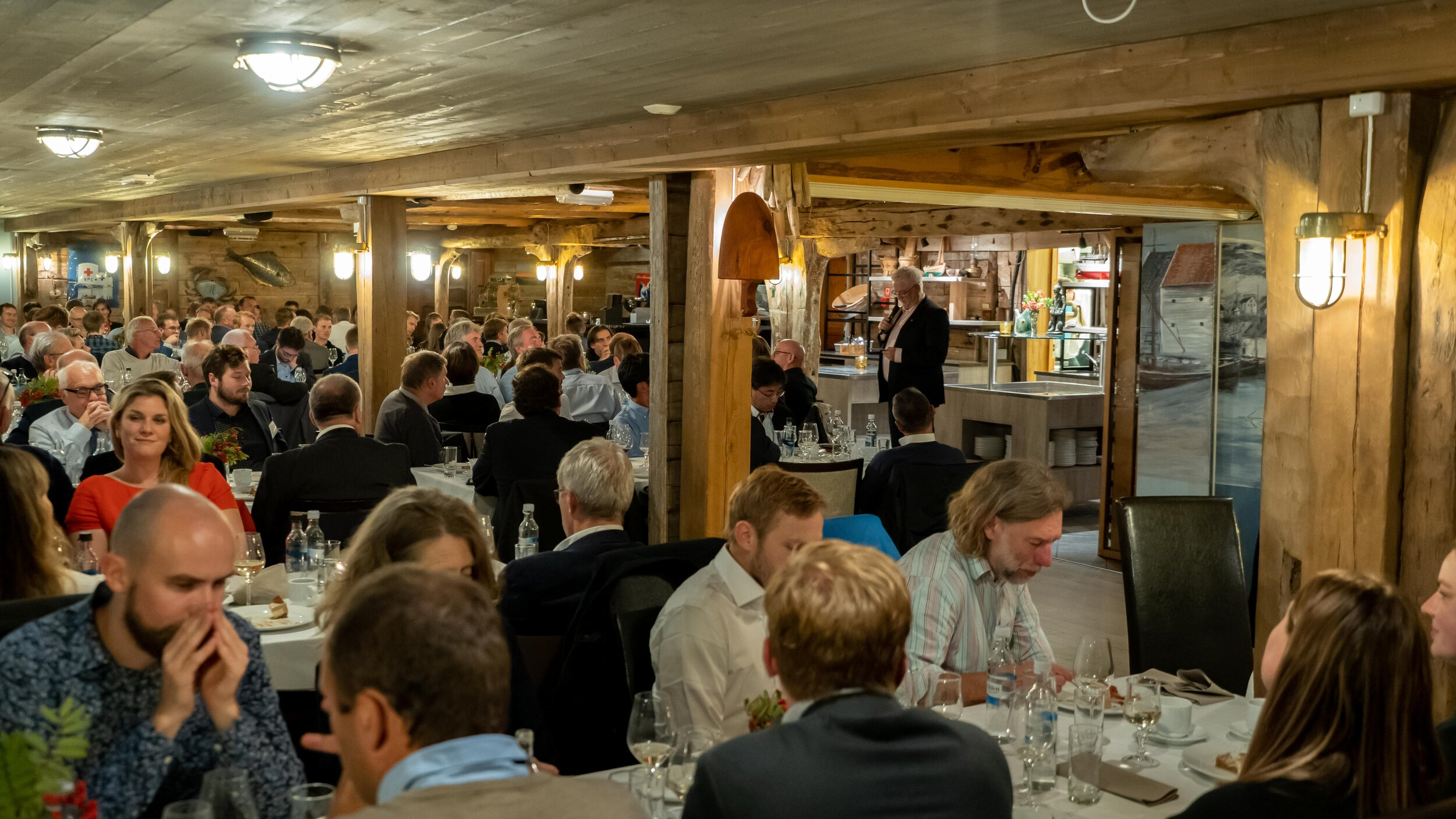 A memorable evening at Knutholmen: an exciting ferry trip from Florø and wonderful food served by the family run business