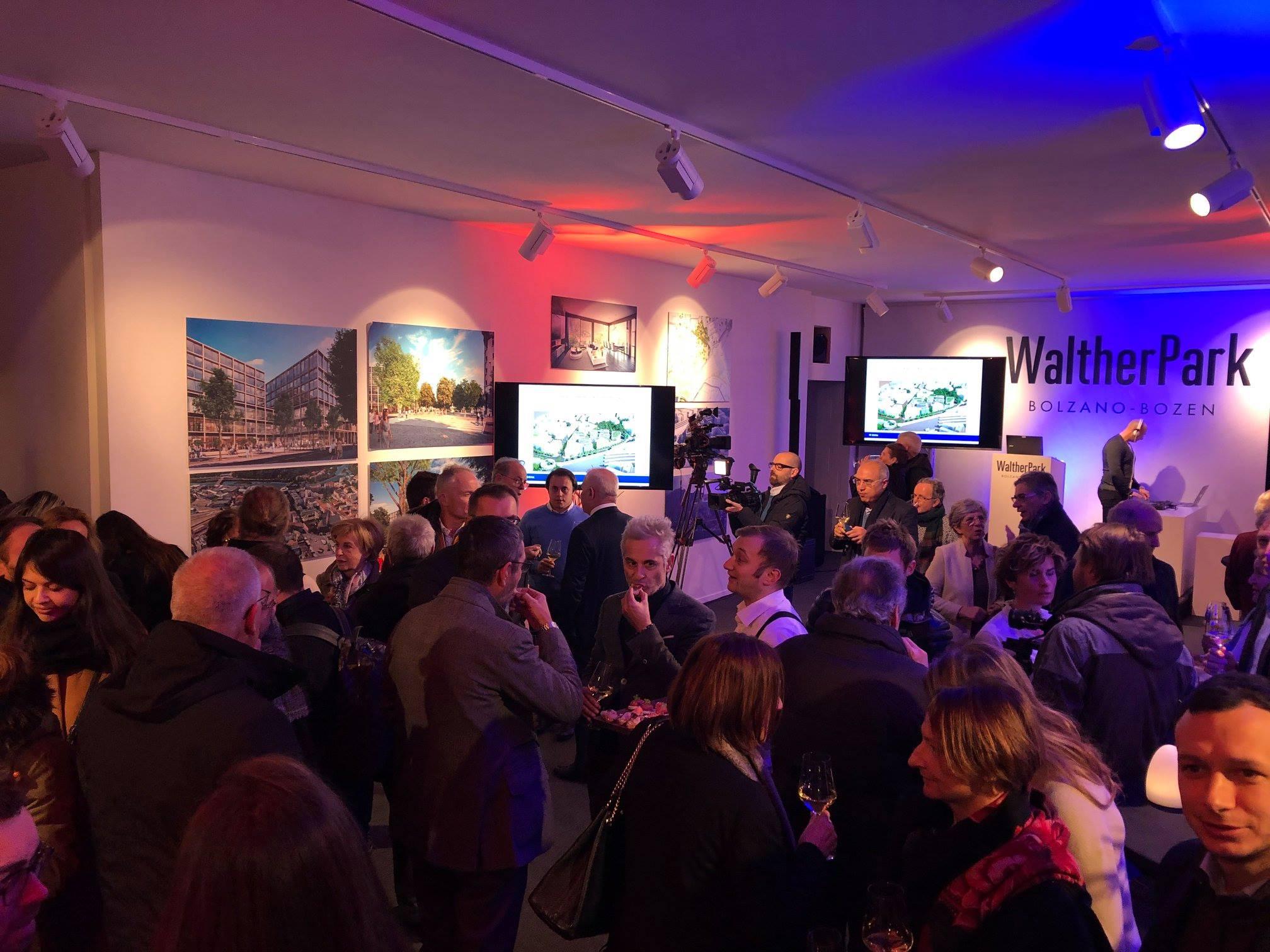 Palais Menz / Palazzo Menz BZ - » Neujahresfeier Signa & Presentation Projekt WaltherPark
