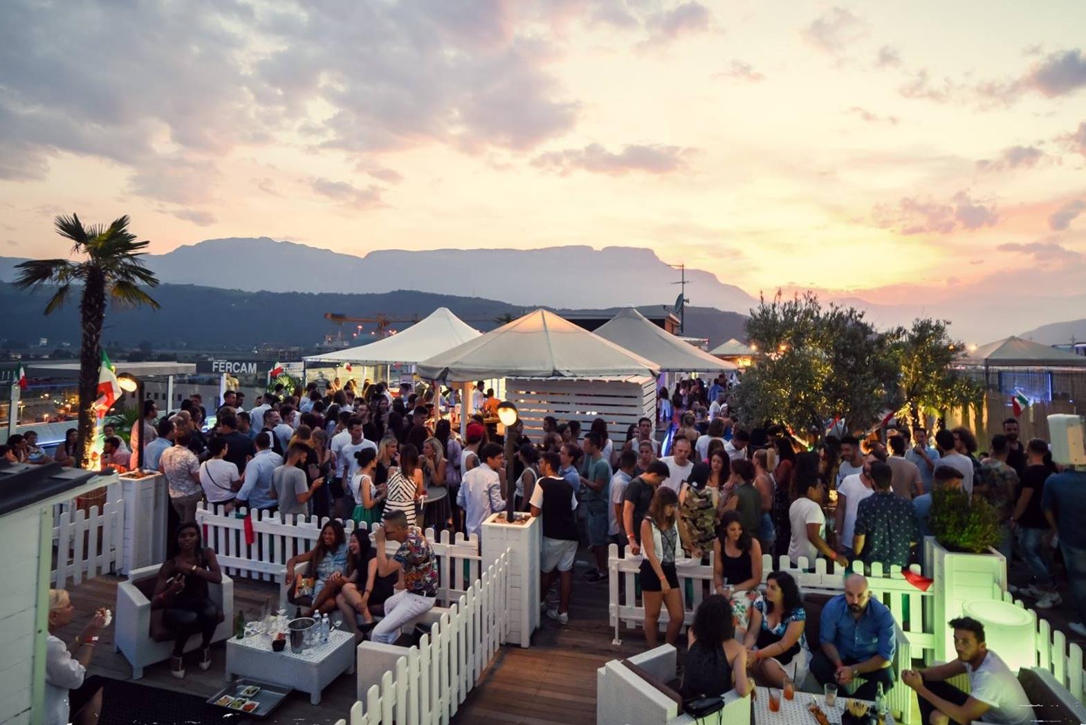 Coconut Sunset Party | Life Club Bolzano - » Resident Dj Summer Season 2018