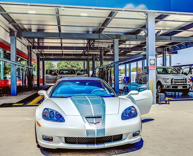 Happy Friday! Remember to keep your receipt! We have a 5 day Clean Car Guarantee for the Works wash, Mini Detail, and Wax. You can come back with the same vehicle and receipt within 5 days of your purchase for a free Exterior Best Wash (normally $13)! For any reason! 👌🏻#trademarkcarwashplano #luxurycarwash #corvette #cleancarguarantee #5days