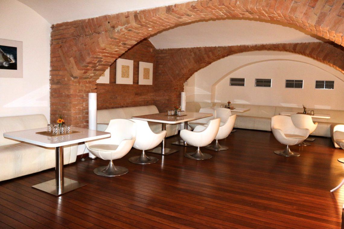 vino-klub-side-room-2-1140x760.jpg