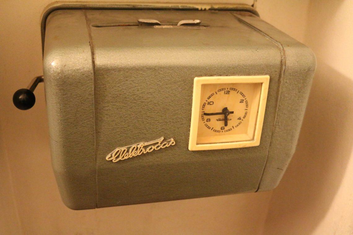 punch-clock-1140x760.jpg