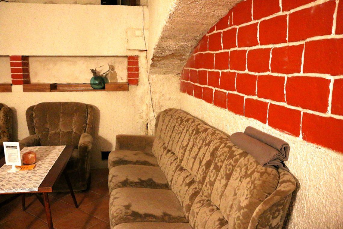 vinarium-couch-2-1140x760.jpg