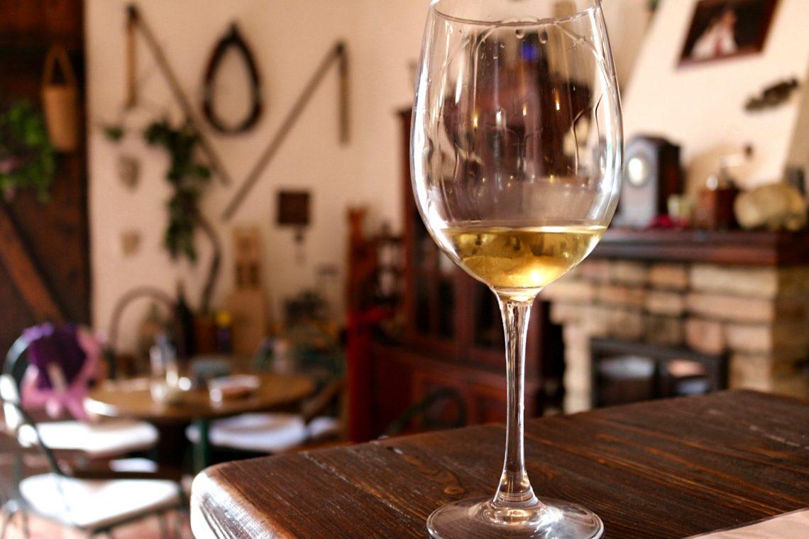 white-wine-4-1140x760.jpg