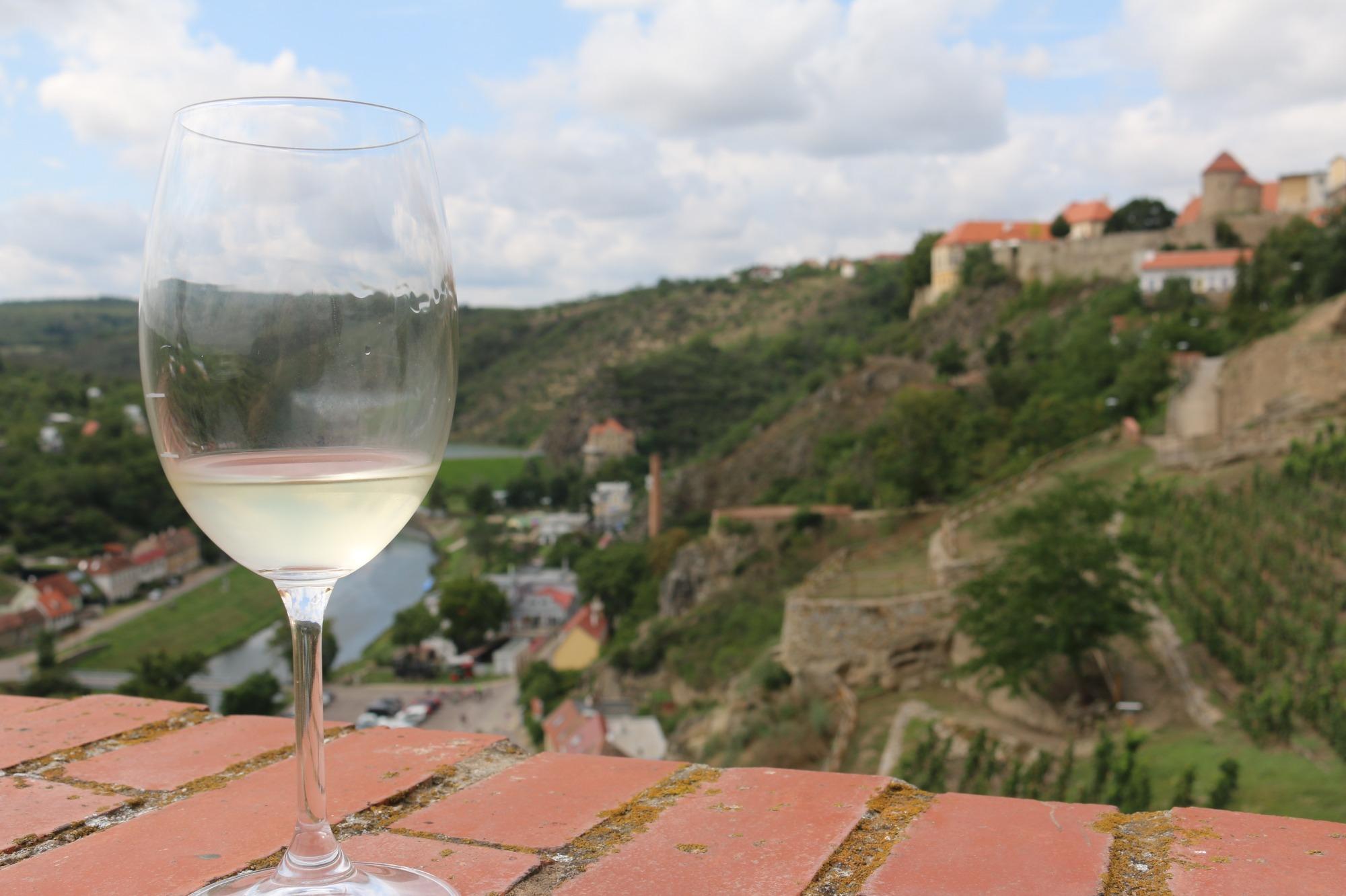 wine glass znojmo.jpg