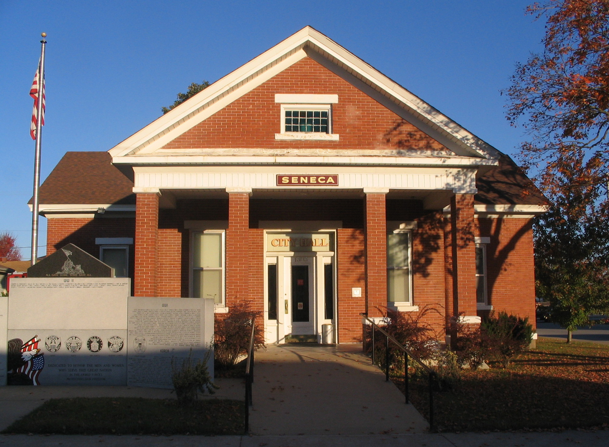 Seneca_MO_City_Hall.jpg