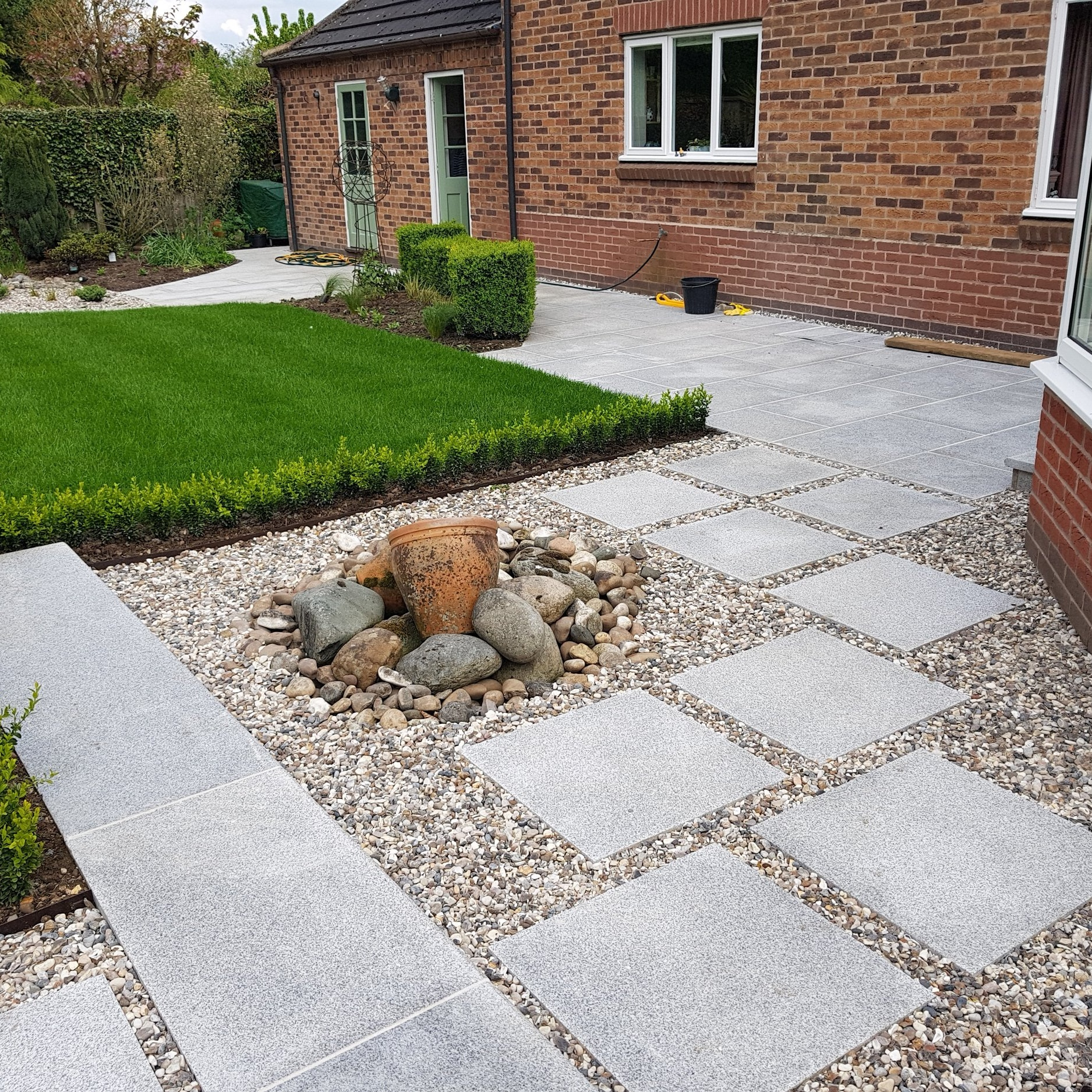 Garden design - View a selection of our completed garden design projects for private and commercial clients.