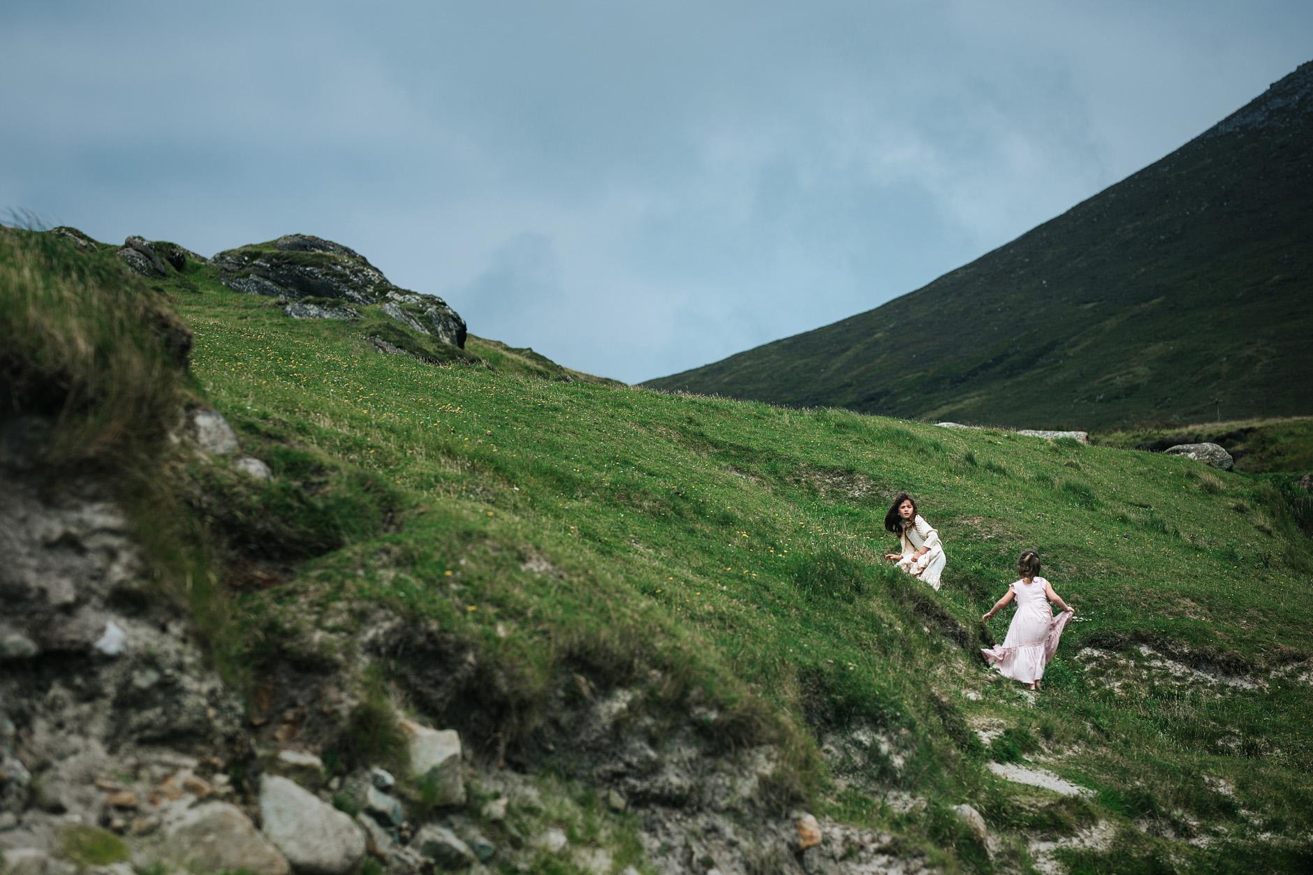 stunning-beach-family-vacation-photoshoot-achill-island-ireland-0002.jpg