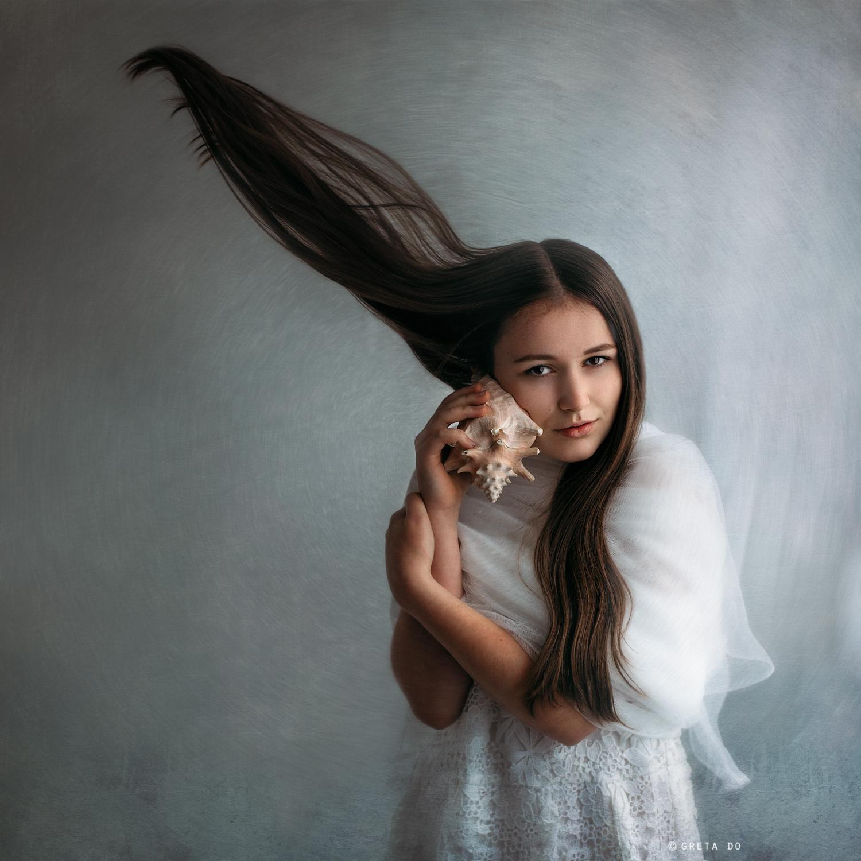 Fine-Art-Portrait-MemoryBeansPhotography-Greta-WinterSea.jpg