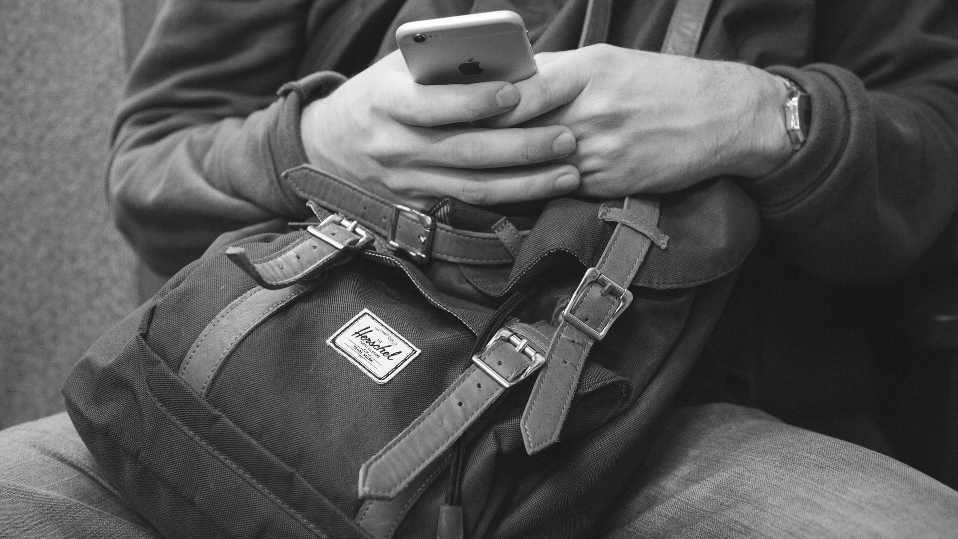 backpack-1149544_1920.jpg