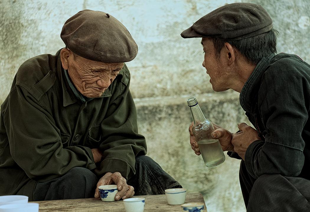 Conversation Over Rice Wine