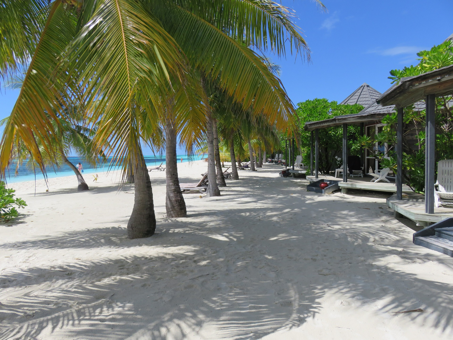 maldives-1095116_1920.jpg