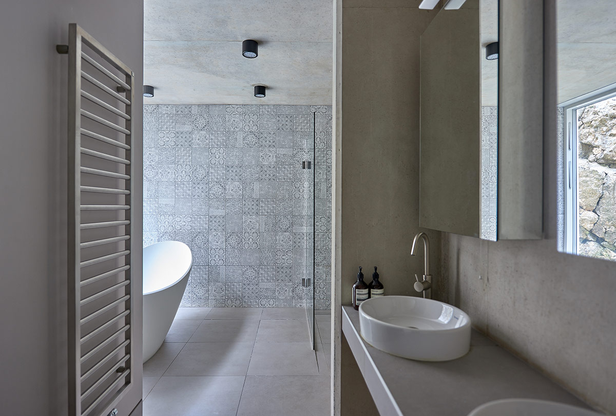 Bathroom of garden pavilion extension and renovation of Victorian terraced house Arosfa