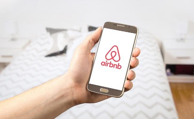 airbnb community.jpg