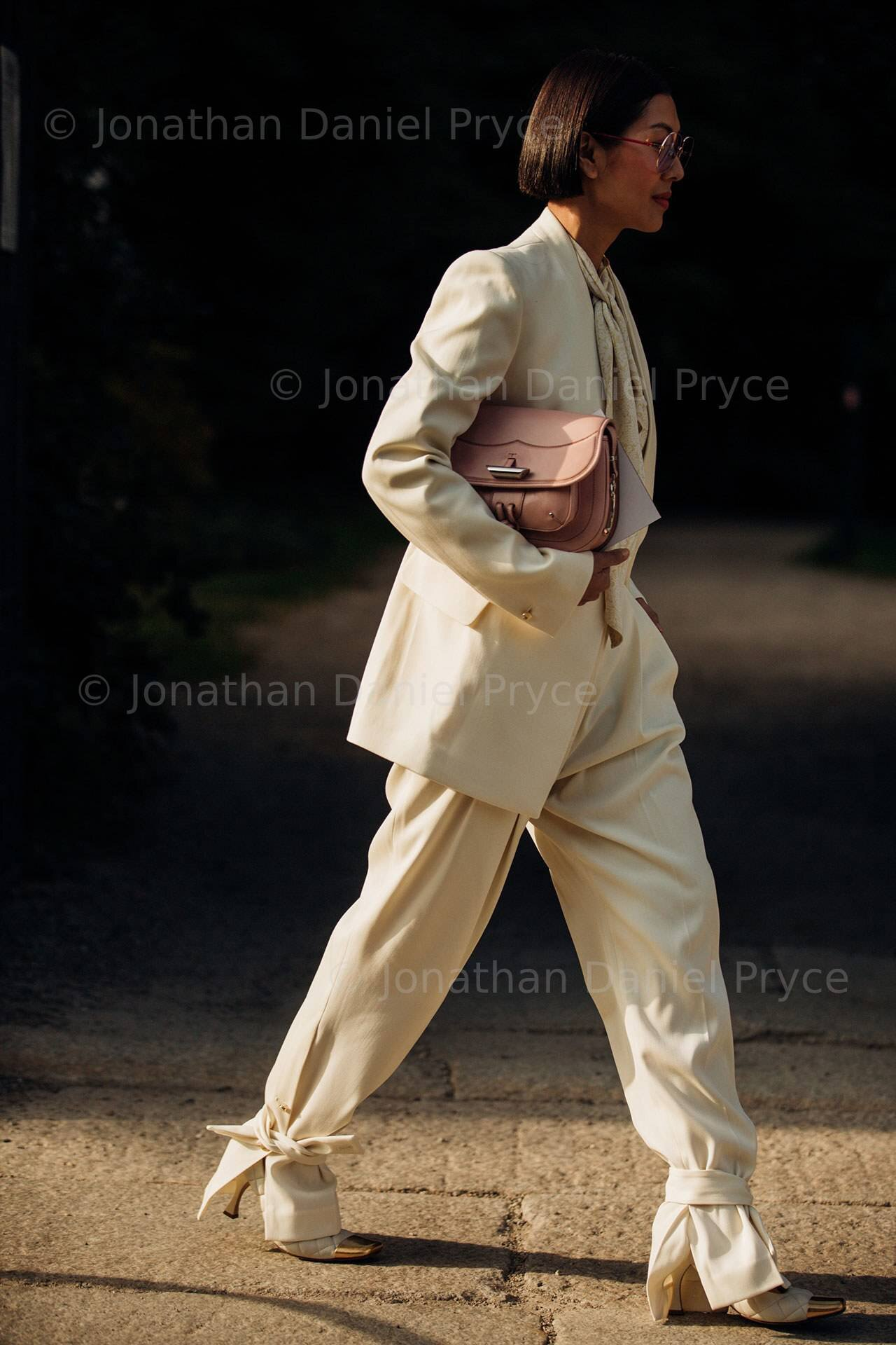 001-Ankle-Ties-Vogueint_Oct8-credit_Jonathan-Daniel-Pryce.jpg