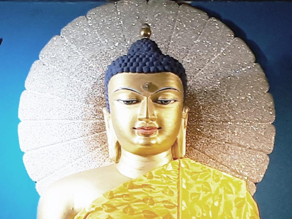 BouddhaBodhgayaR.jpg
