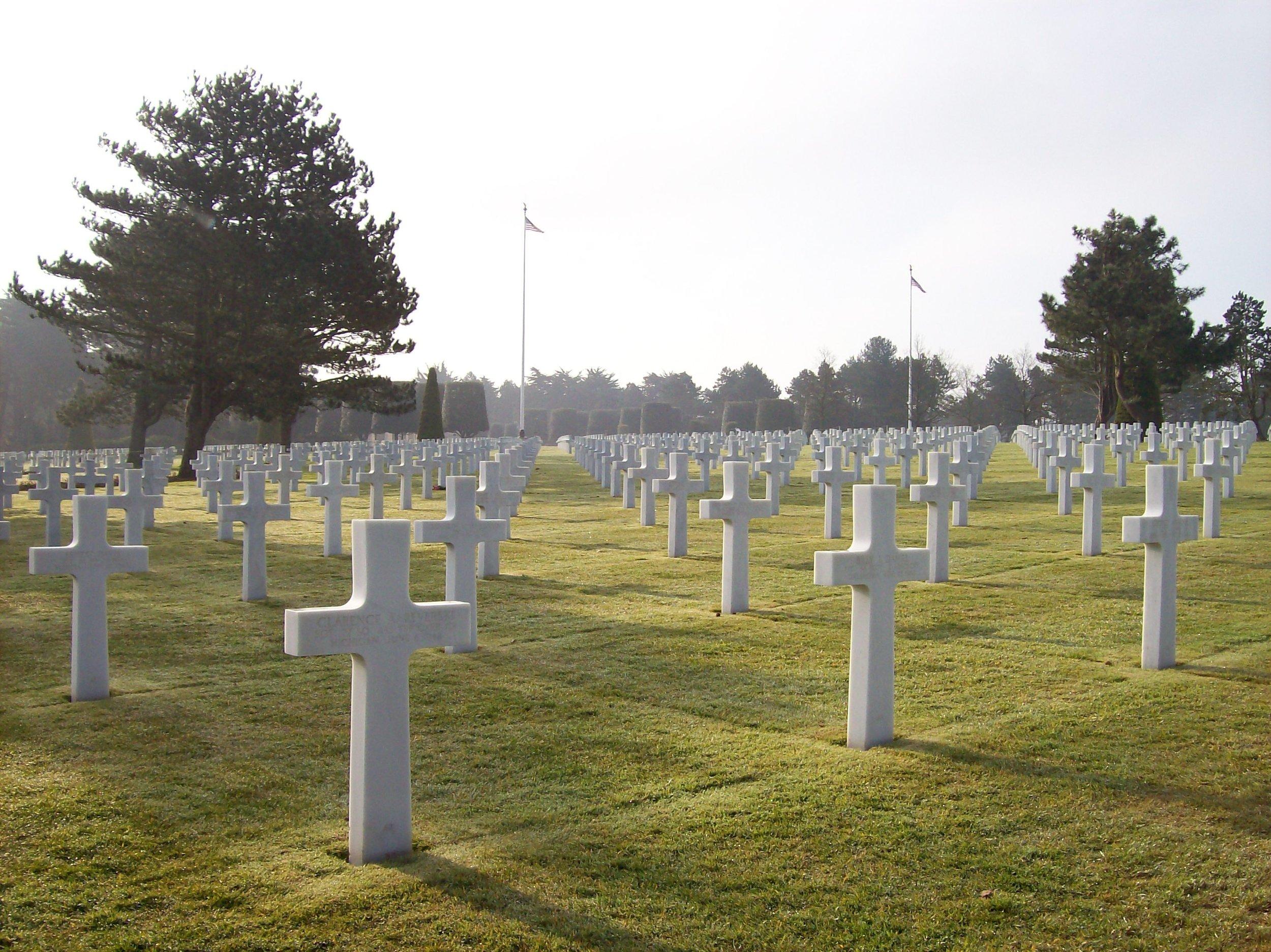 cemetery-crosses-daytime-930711.jpg
