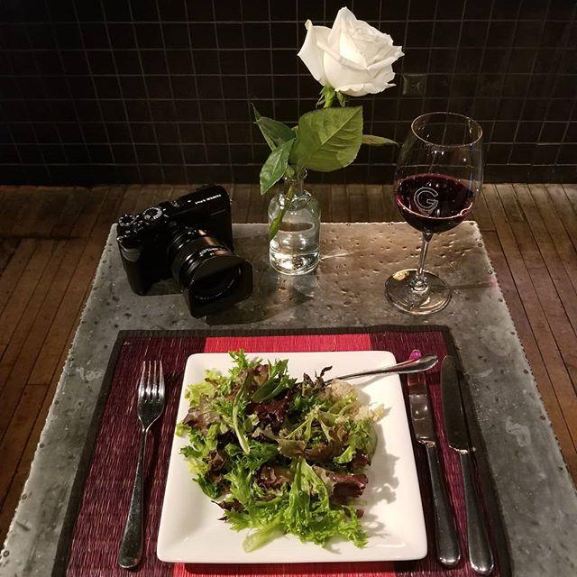 Sunday night date night....#WeddingLife Just me and #MyFujiFilm 🎉 ❤ 💑 #PhotogLife #GTS #BestQuinoaEver ! @GeorgeonQueen ...like, really... the BEST! #DateNight