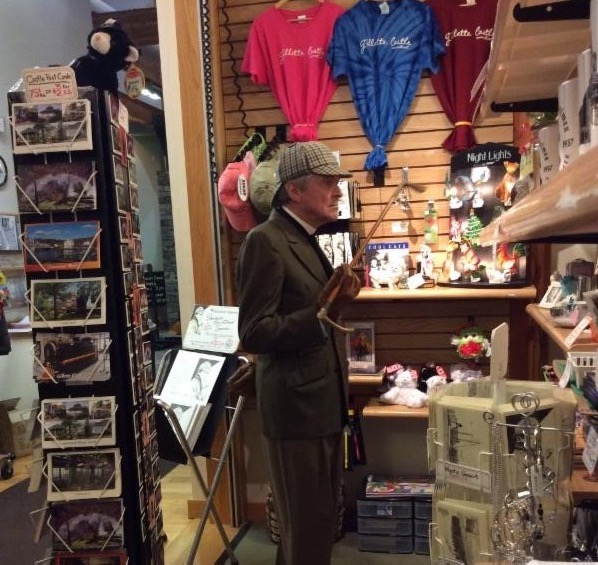 Tyke Niver embodies William Gillette as he checks out the gift shop located in the Visitor Center.