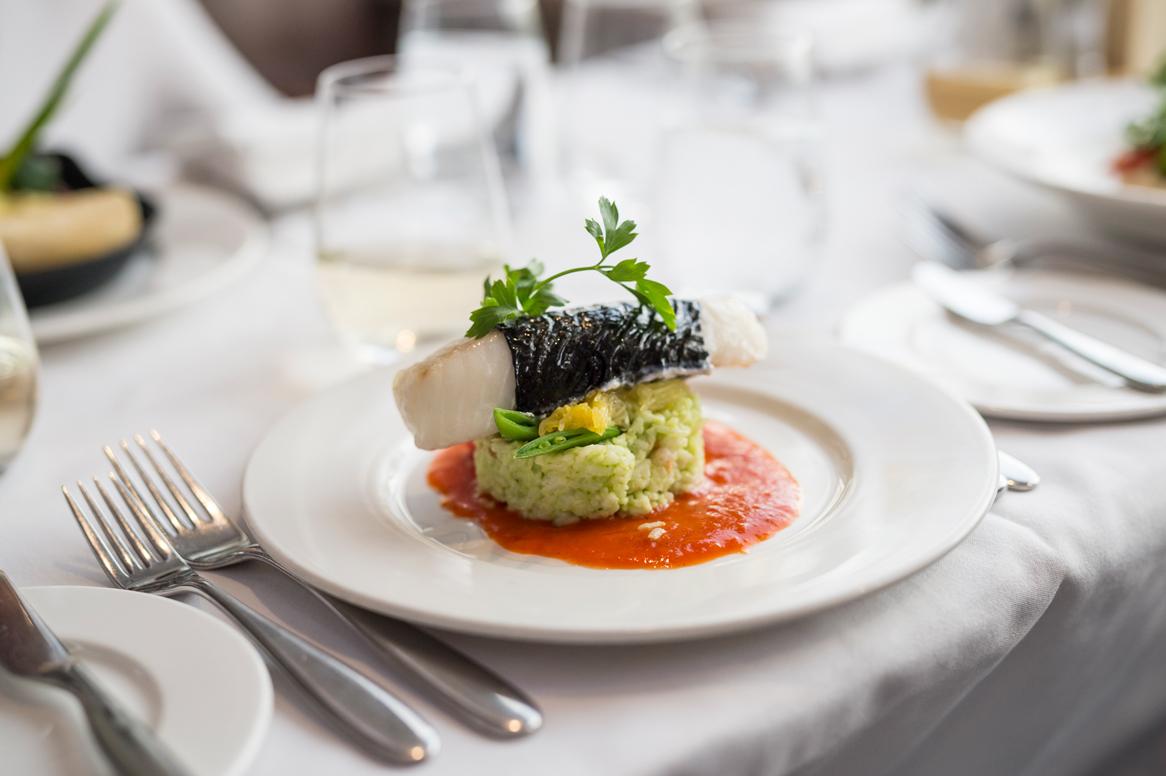 RM18_Onboard_GoldLeaf_Service_Culinary (1).jpg