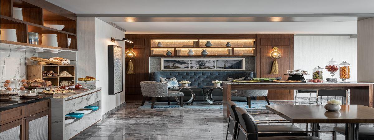 Ritz-Carlton Club Level Lounge