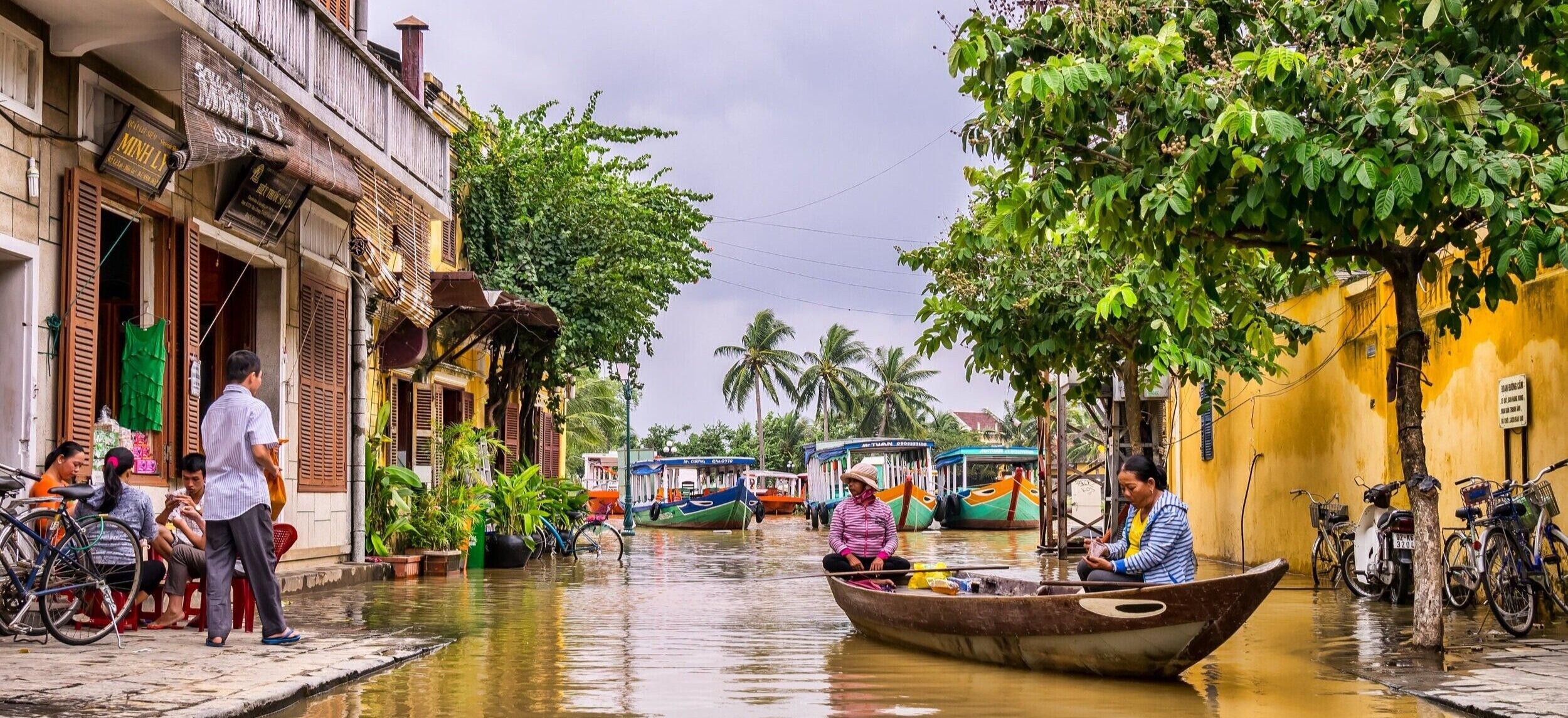 Small+Boat+in+Vietnam