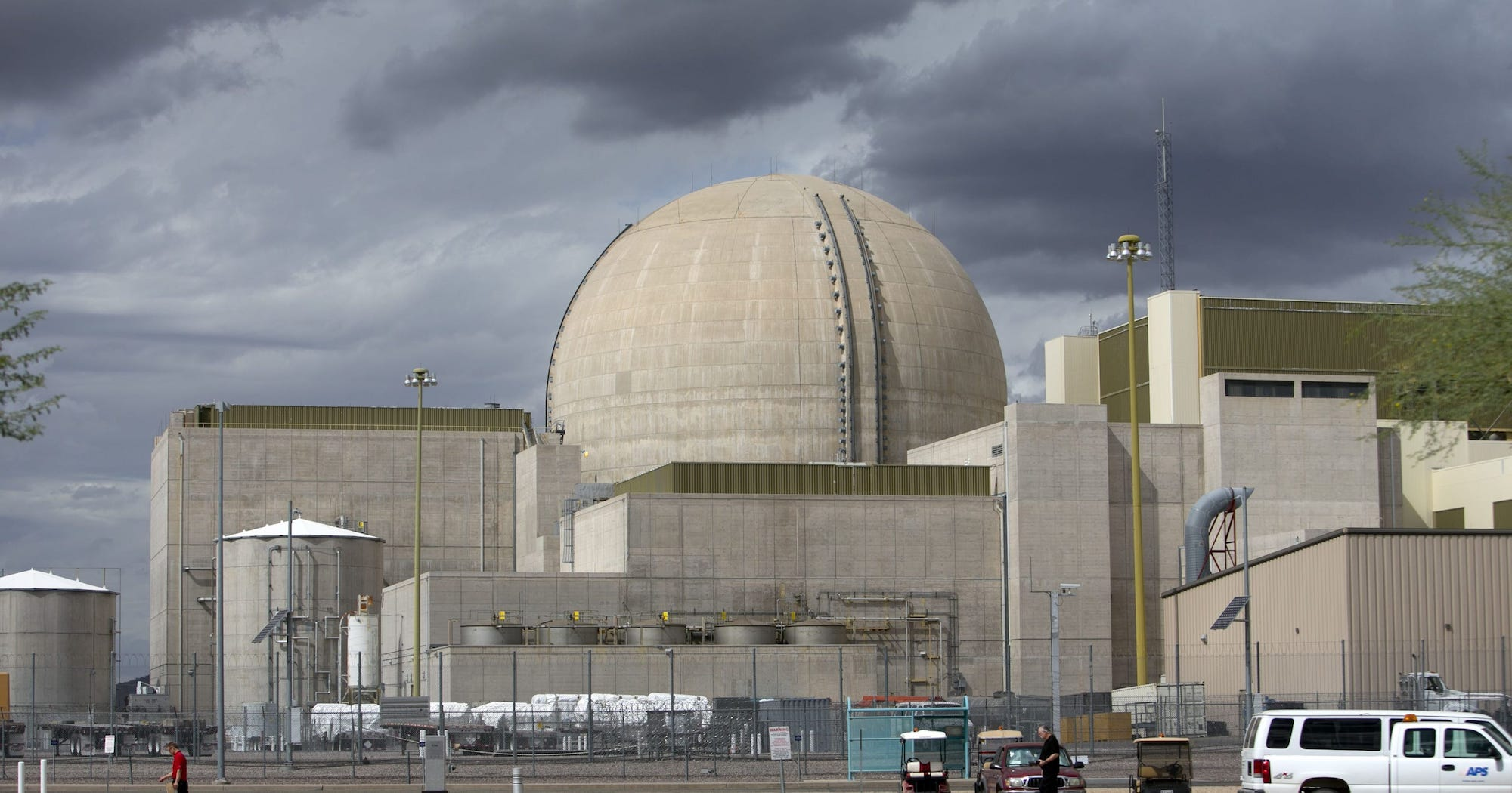 palo-verde-nuclear-generating-station-pigeon-control.jpg