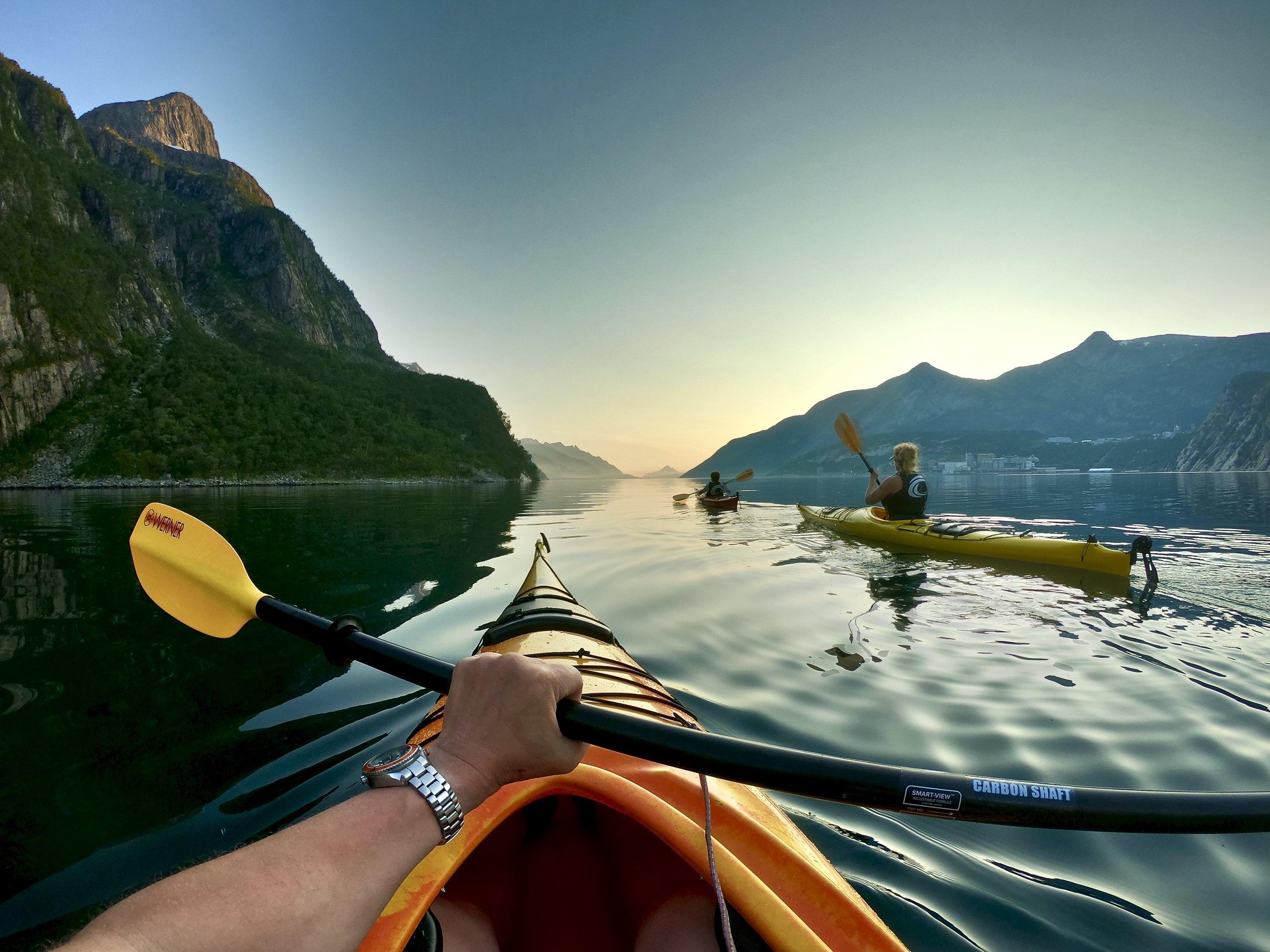 Kajakktur_Glomfjord_med_MeløyAdventure.jpeg
