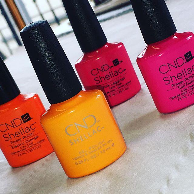 #summertime #summercolours #shellac #cnd 💅🏼