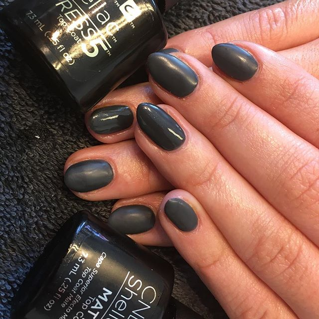 Why not try the Matte top coat #shellac #cnd #doresalon #sheffield #mattenails