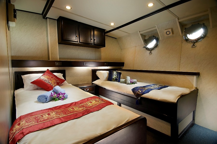 EXPLORE THE WRECKS IN COMFORT - Onboard we have 8 twin-bed/double-bed A/C en suite cabins which are cleaned every day.