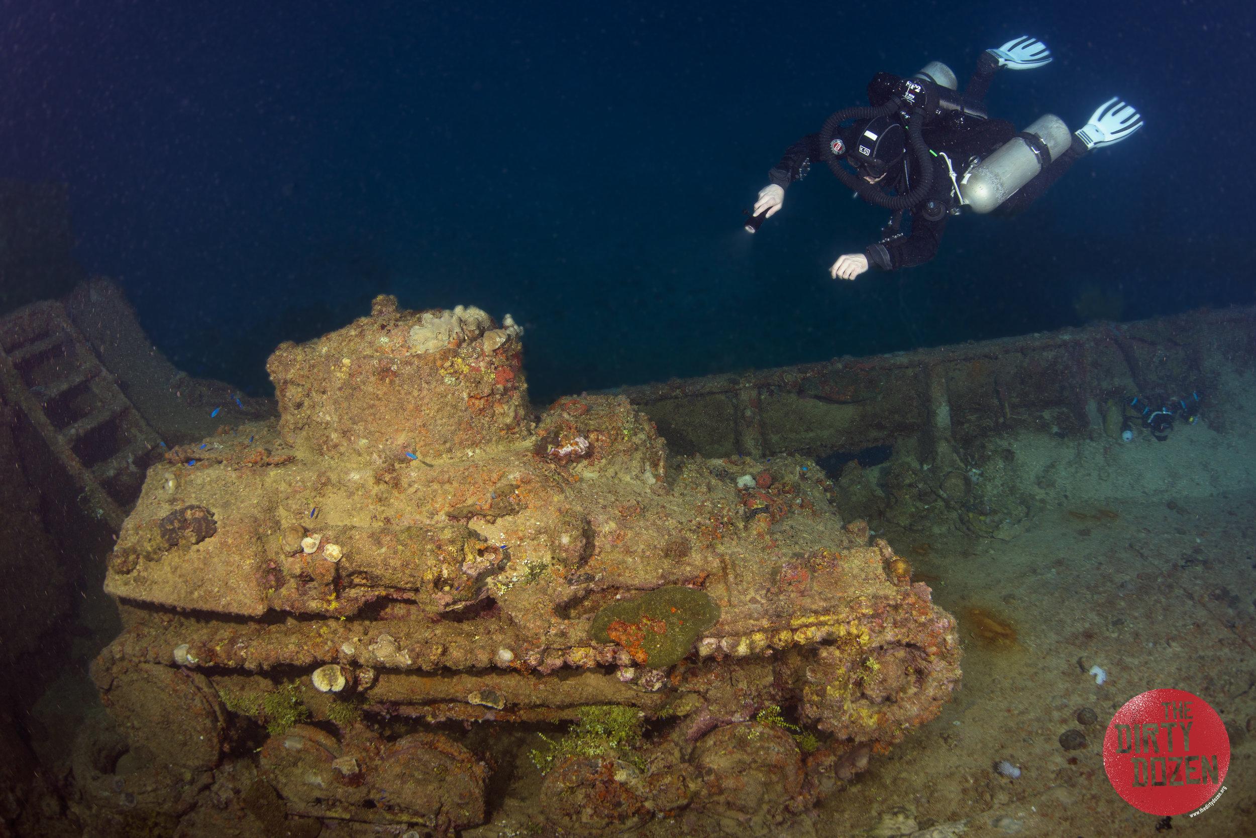 74Nippo Maru Tank And Diver.jpg