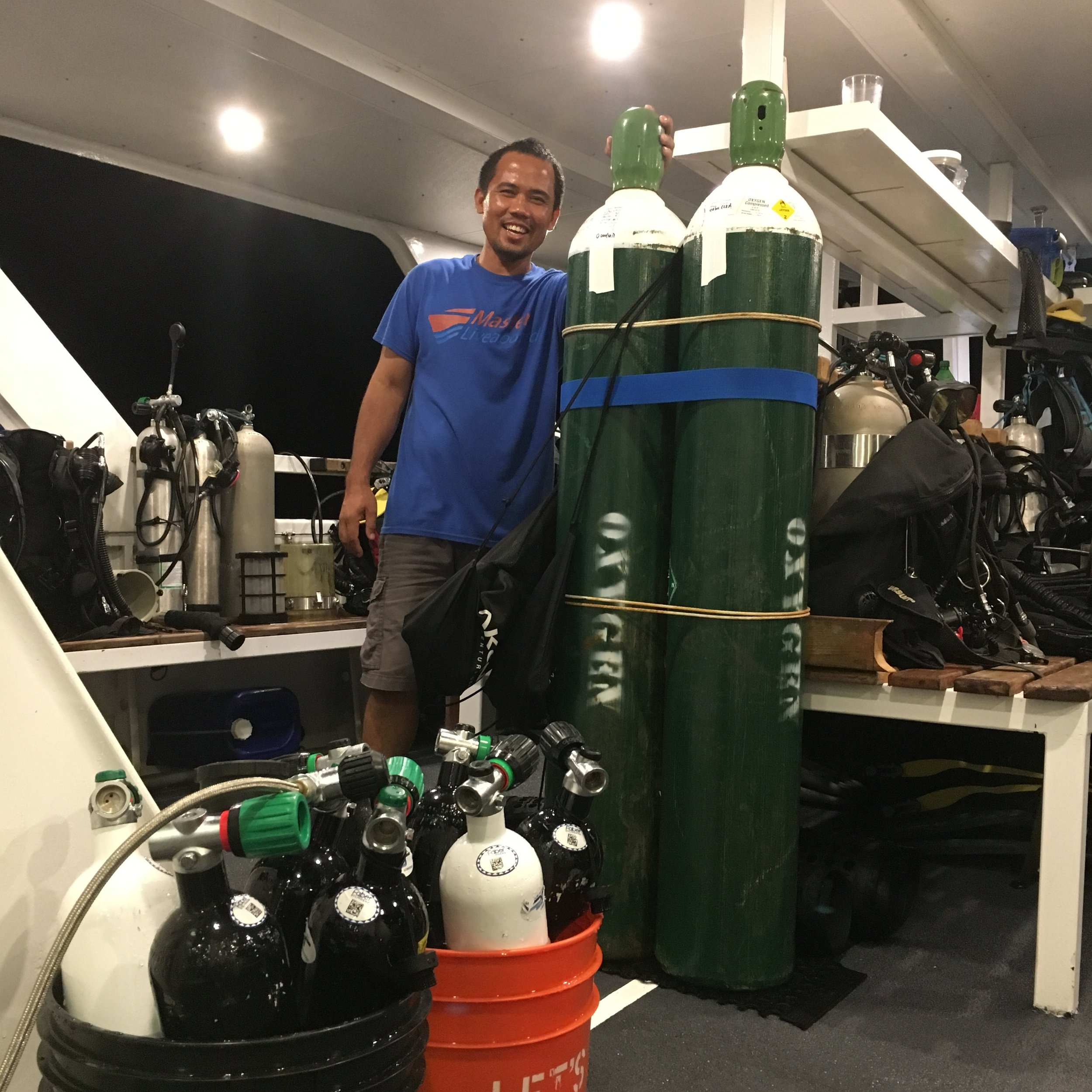 CERTIFIED GAS BLENDERS - All our gas-blenders have been trained by our expedition leader Aron, who has overseen several high profile blending stations around the world.