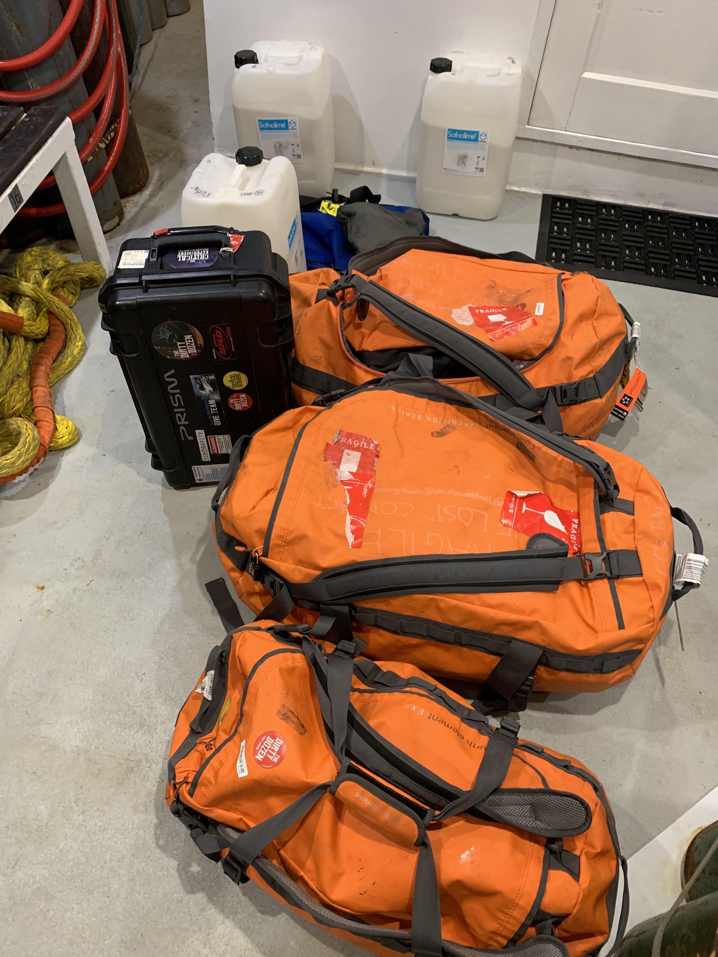 Luggage-Truk-Lagoon.jpg
