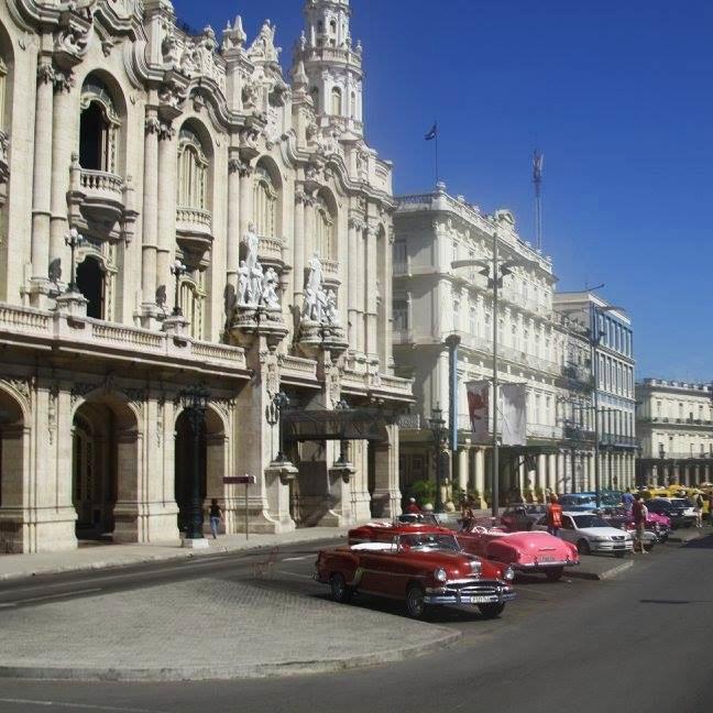 Travel_Testimonials_Cuba_Architecture_2.jpg